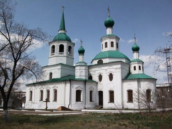 От чего зависит цвет куполов православной церкви