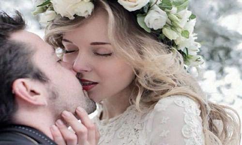 к чему снится поцелуи со знакомой девушкой