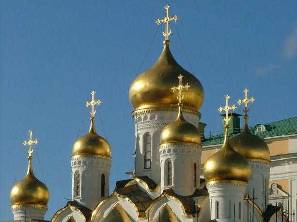 Почему у церквей купола разного цвета